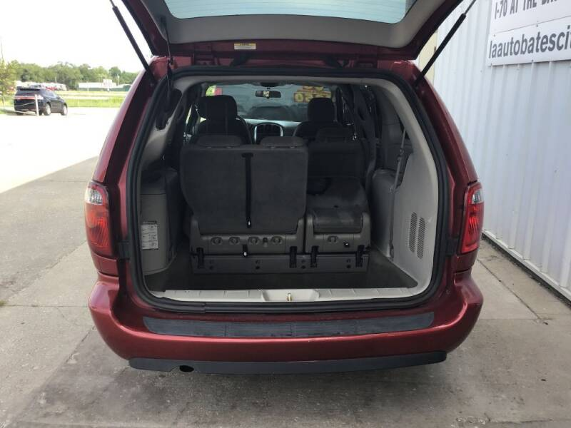 2006 Chrysler Town and Country Touring 4dr Extended Mini-Van - Bates City MO