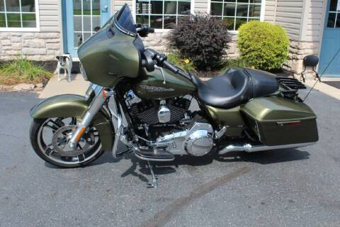 2016 HARLEY DAVIDSON FLHX ST GLIDE for sale at Summit Motorcars in Wooster OH