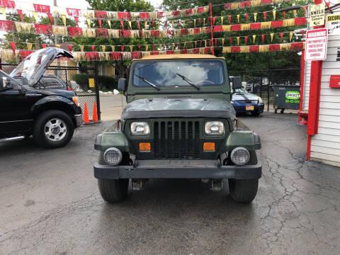 1995 Jeep Wrangler for sale at RON'S AUTO SALES INC in Cicero IL