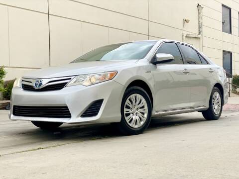 2014 Toyota Camry Hybrid for sale at New City Auto - Retail Inventory in South El Monte CA