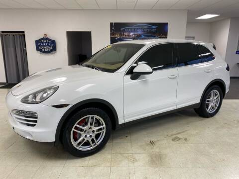 2014 Porsche Cayenne for sale at Used Car Outlet in Bloomington IL