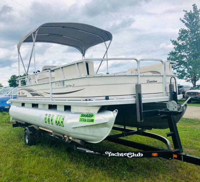 2004 Sun Tracker Party Barge 21' for sale at Motorsota in Becker MN