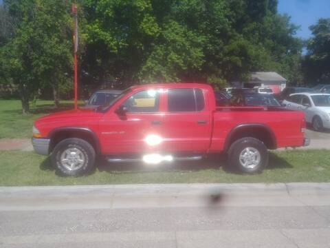 2002 Dodge Dakota for sale at D & D Auto Sales in Topeka KS