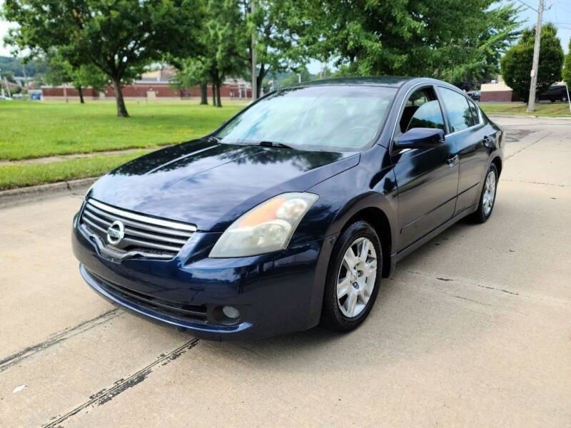 2009 Nissan Altima for sale at World Automotive in Euclid OH