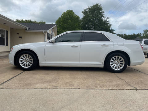 2014 Chrysler 300 for sale at H3 Auto Group in Huntsville TX