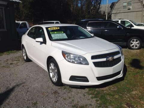 2013 Chevrolet Malibu for sale at GIB'S AUTO SALES in Tahlequah OK