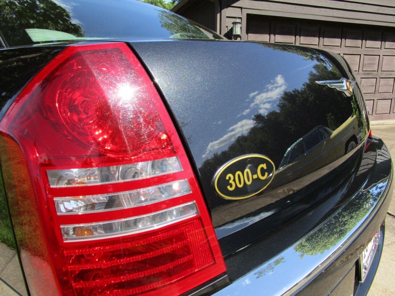 2006 Chrysler 300 18