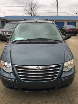 2006 Chrysler Town and Country for sale at New Rides in Portsmouth OH