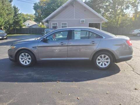 2011 Ford Taurus for sale at Deals on Wheels in Oshkosh WI