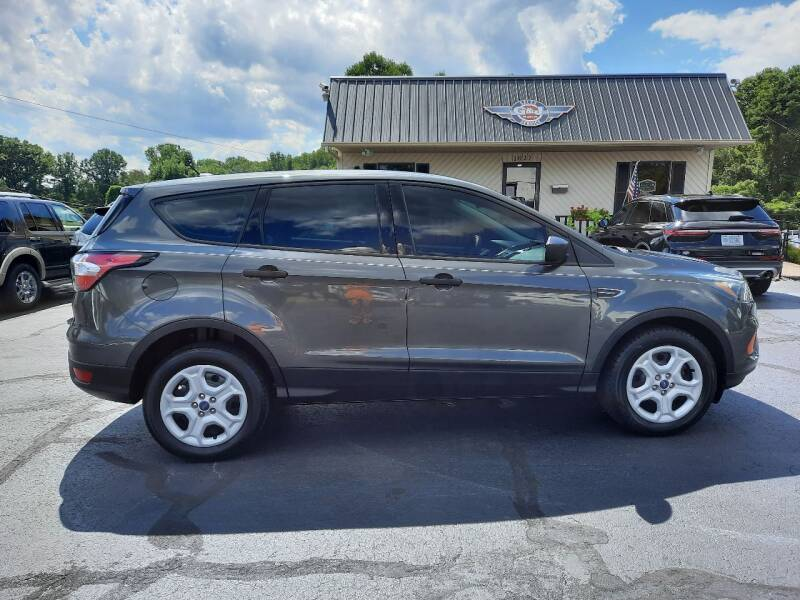 2018 Ford Escape for sale at G AND J MOTORS in Elkin NC
