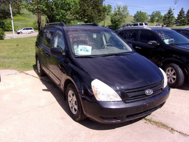 2007 Kia Sedona for sale at Barney's Used Cars in Sioux Falls SD