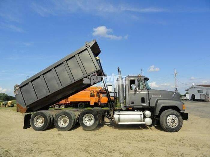 1998 Mack CH613 for sale in Edgerton, WI
