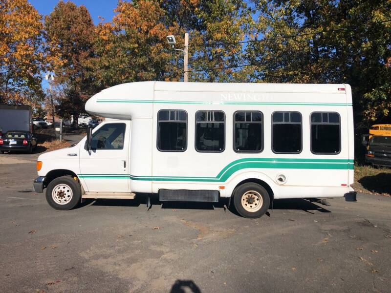 2005 Ford E-Series Chassis for sale at Automotive Fleet Remarketing Inc. in Windsor Locks CT