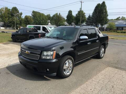 2009 Chevrolet Avalanche for sale at Candlewood Valley Motors in New Milford CT