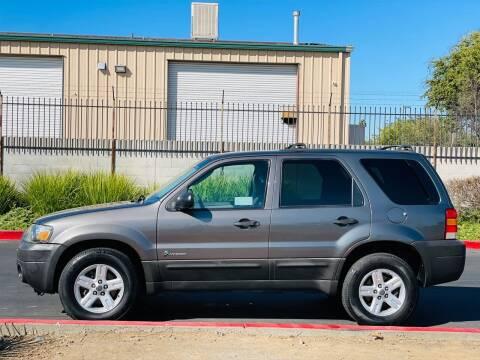 2005 Ford Escape for sale at United Star Motors in Sacramento CA