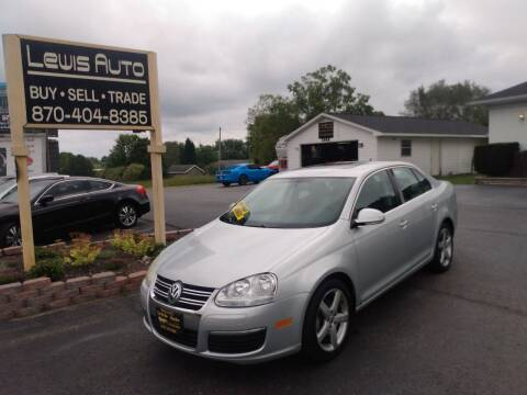 2009 Volkswagen Jetta for sale at LEWIS AUTO in Mountain Home AR