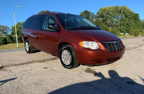 2007 Chrysler Town and Country for sale at InstaCar LLC in Independence MO