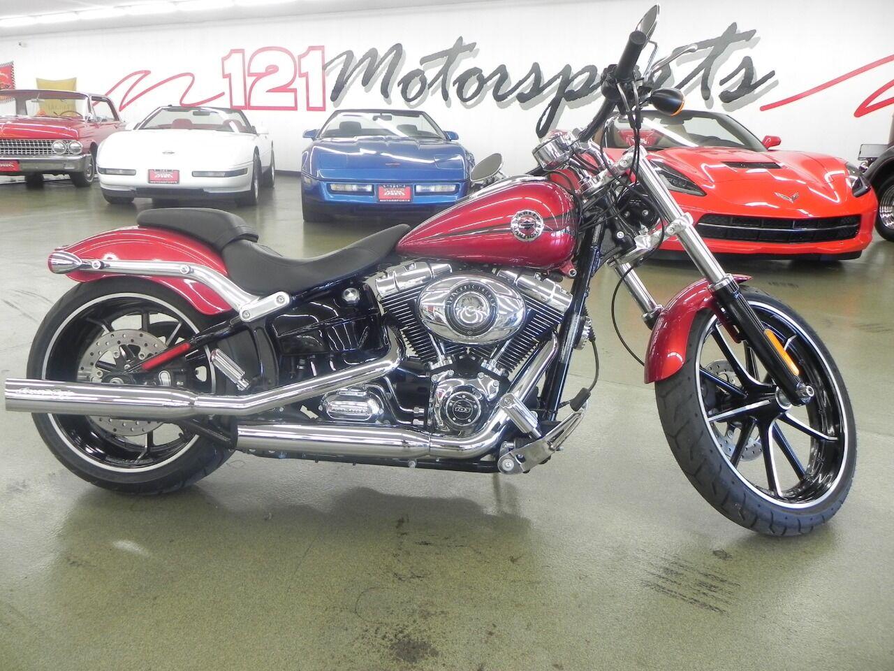 The 2013 Harley-Davidson Breakout  photos