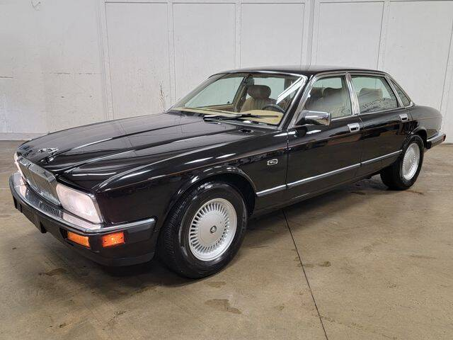 1993 Jaguar XJ-Series for sale in Lake In The Hills, IL