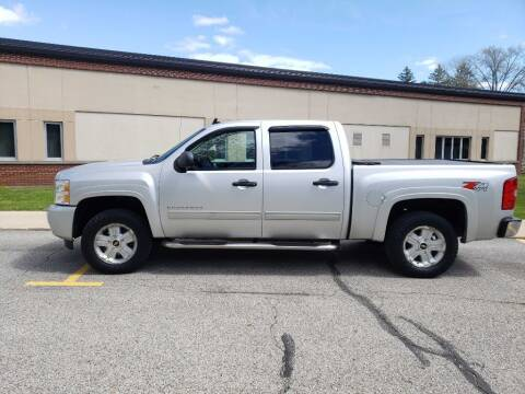 2011 Chevrolet Silverado 1500 for sale at The Car Mart in Milford IN