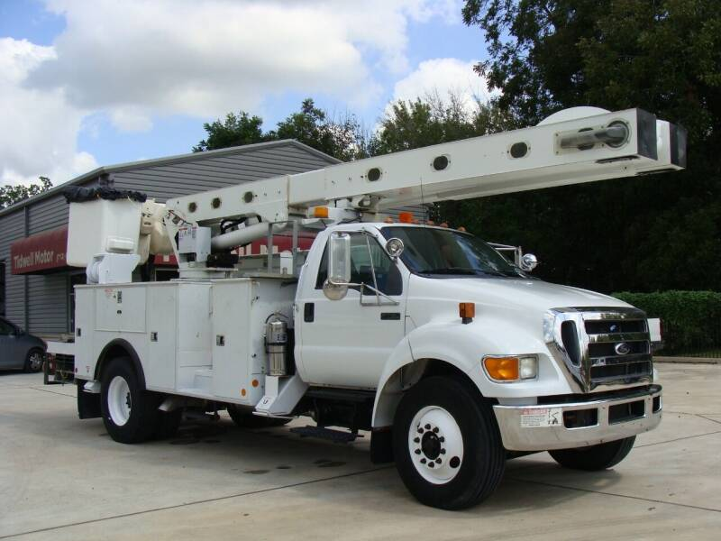 2011 Ford F-750 Super Duty for sale at TIDWELL MOTOR in Houston TX