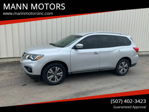 2017 Nissan Pathfinder for sale at MANN MOTORS in Albert Lea MN