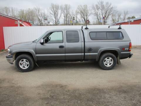 2000 Chevrolet Silverado 1500 for sale at Chaddock Auto Sales in Rochester MN
