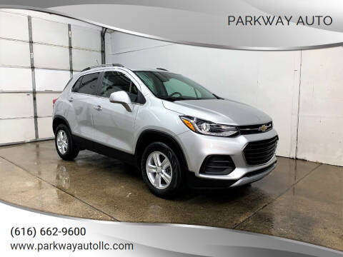 2017 Chevrolet Trax for sale at PARKWAY AUTO in Hudsonville MI