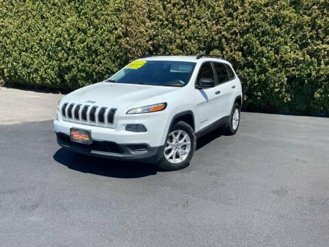 2015 Jeep Cherokee for sale at Yaktown Motors in Union Gap WA