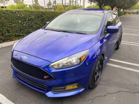 2015 Ford Focus for sale at Fiesta Motors in Winnetka CA