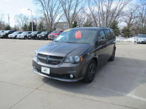2017 Dodge Grand Caravan for sale at Aztec Motors in Des Moines IA