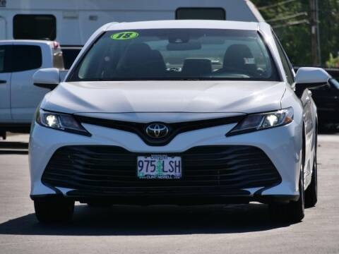 2018 Toyota Camry for sale at CLINT NEWELL USED CARS in Roseburg OR