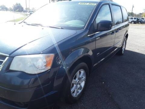 """2008 Chrysler Town and Country for sale at Midwestern Auto Sales """"The Used Car Center"""" in Middletown OH"""