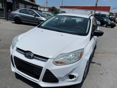 2013 Ford Focus for sale at Diana Rico LLC in Dalton GA