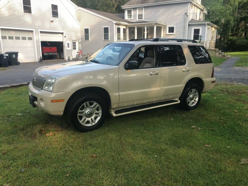 2005 Mercury Mountaineer for sale at Billycars in Wilmington MA