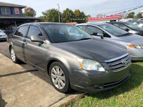 2006 Toyota Avalon for sale at Wise Investments Auto Sales in Sellersburg IN
