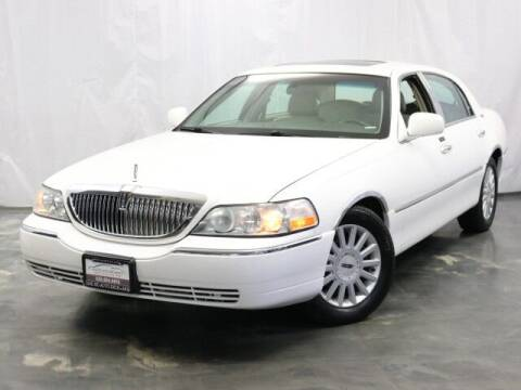 2005 Lincoln Town Car for sale at United Auto Exchange in Addison IL