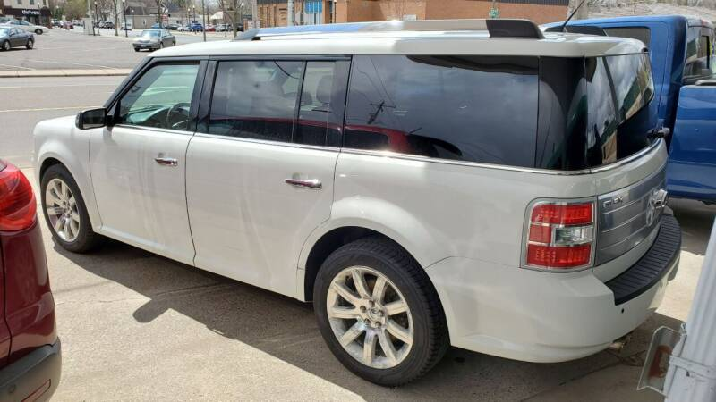 2011 Ford Flex for sale at North Metro Auto Sales in Cambridge MN