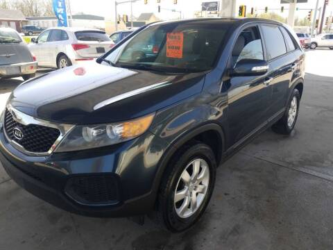 2011 Kia Sorento for sale at Springfield Select Autos in Springfield IL