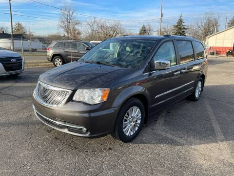 2015 Chrysler Town and Country for sale at Dean's Auto Sales in Flint MI