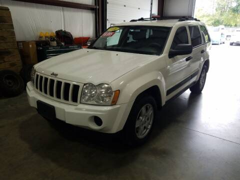 2005 Jeep Grand Cherokee for sale at Hometown Automotive Service & Sales in Holliston MA