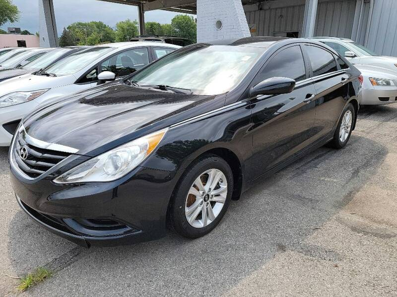2012 Hyundai Sonata for sale at Lakeshore Auto Wholesalers in Amherst OH