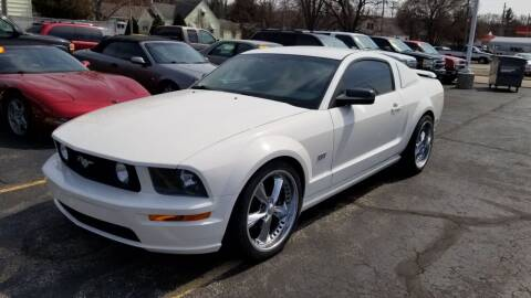 2005 Ford Mustang for sale at Advantage Auto Sales & Imports Inc in Loves Park IL