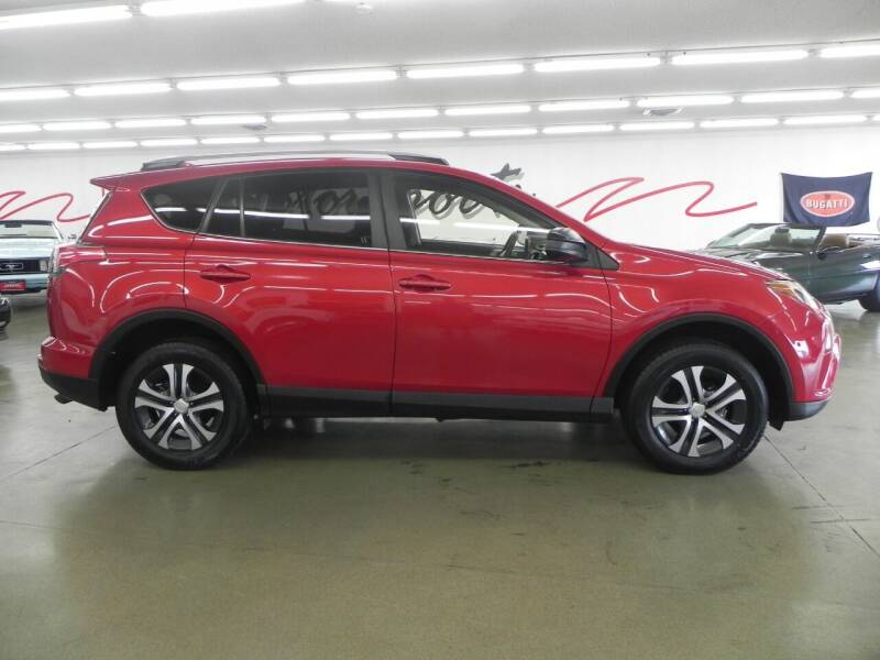 2017 Toyota RAV4 for sale at 121 Motorsports in Mount Zion IL