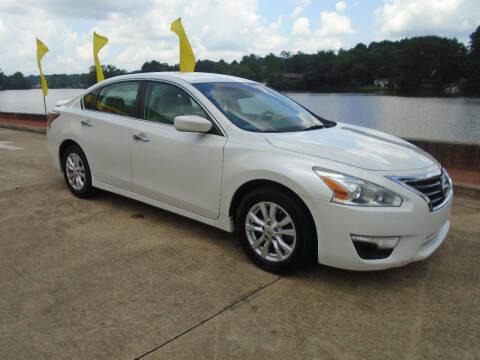 2014 Nissan Altima for sale at Lake Carroll Auto Sales in Carrollton GA