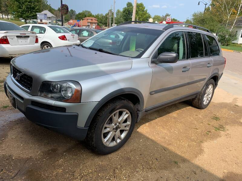 2004 Volvo XC90 for sale at Nelson's Straightline Auto - 23923 Burrows Rd in Independence WI