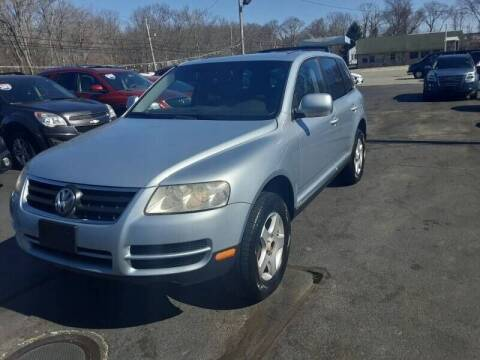 2006 Volkswagen Touareg for sale at Allan Auto Sales, LLC in Fall River MA