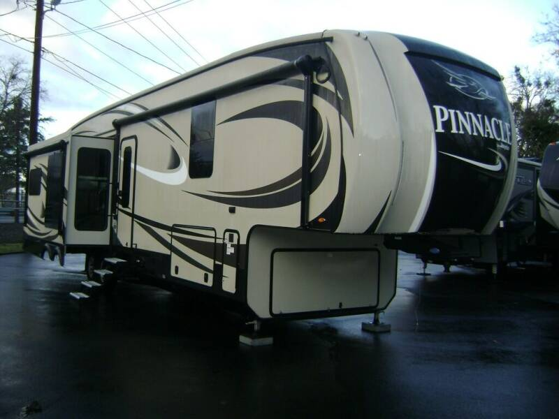 """2017 Jayco """"Sale Pending"""" Pinnacle 36FBTS / 40ft for sale at Jim Clarks Consignment Country - 5th Wheel Trailers in Grants Pass OR"""