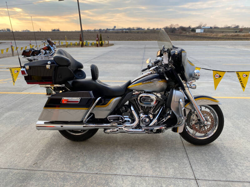 2012 Harley Davidson CVO for sale at SEMPER FI CYCLE in Tremont IL