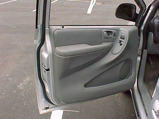 2007 Chrysler Town and Country Touring 4dr Extended Mini-Van w/ Supplemental Side Curtain Airbags - Pittsburgh PA